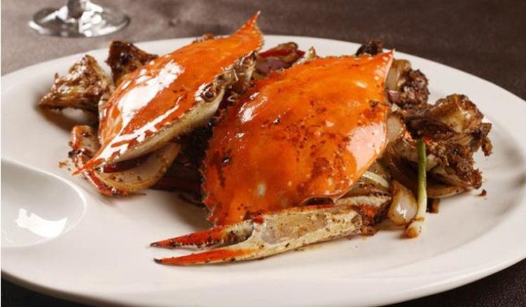 活冻梭子蟹 产品规格:1件20斤,规格为400-500克 梭子蟹分为公蟹与母蟹